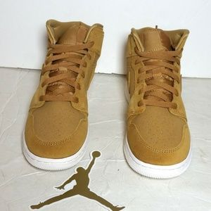 Air Jordan One Golden Harvest/Sail